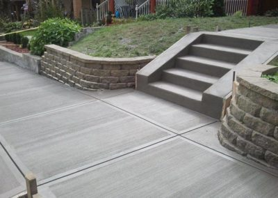 Concrete-broom-finish-sidewalk-stairs-171